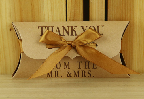 Geschenkskarton Thank you for Mr & Mrs mit brauner Schleife